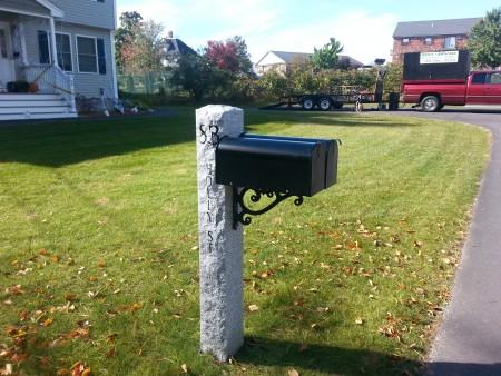 """7""""x7""""x7' Thermal/rock/prestige bracket mailbox post"""